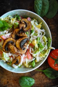 Vegan noodle salad with pan-fried mushrooms_